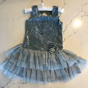 Adorable girls dress by Zunie